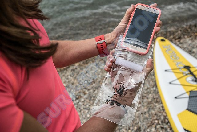 body-glove-stand-up-paddleboard-phone-protector-1.jpg
